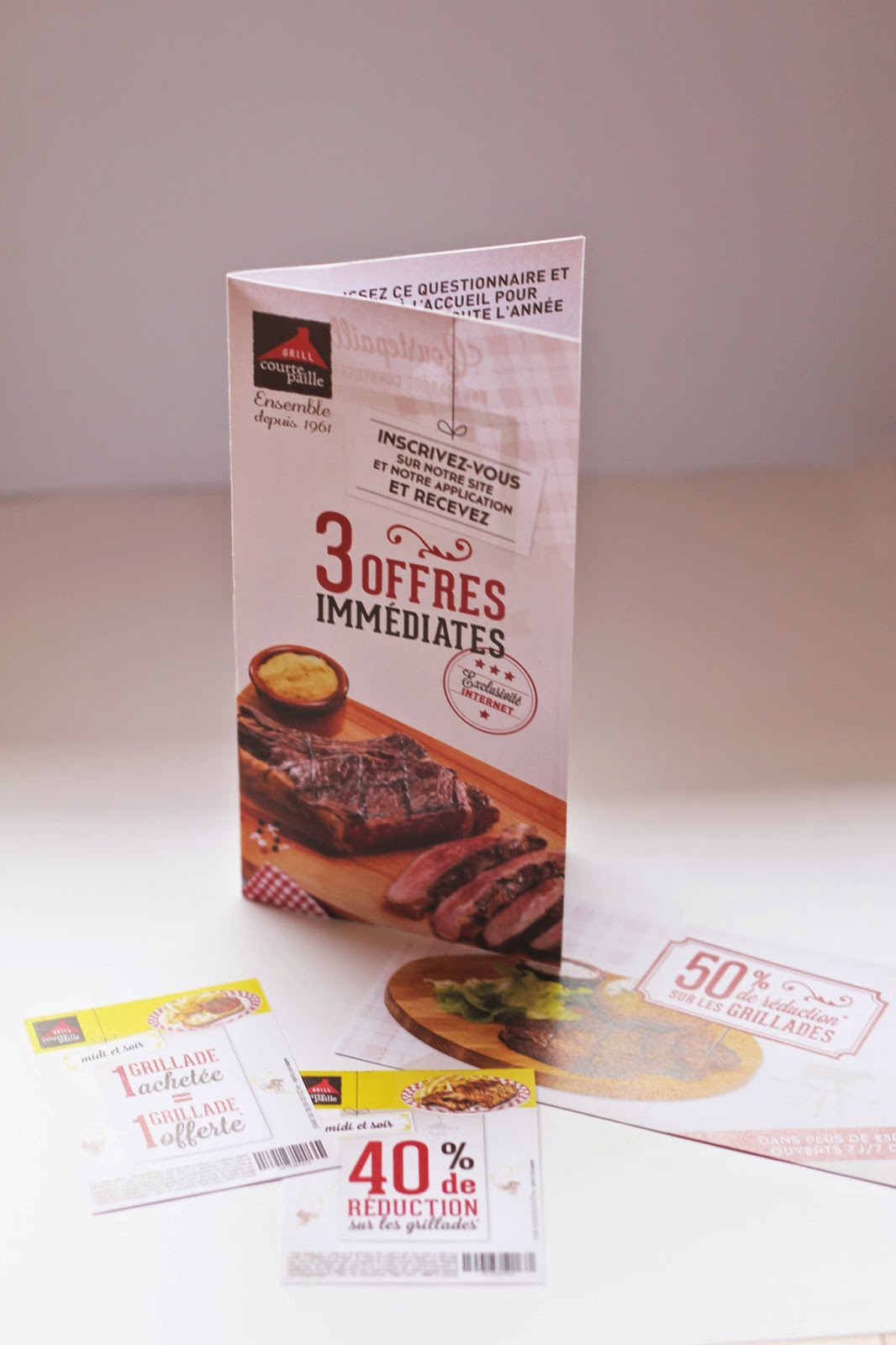 Carte, coupons, insert ticket restaurant.